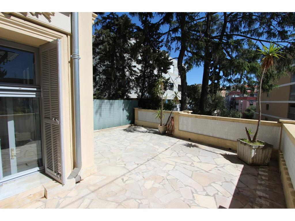 Immobilier appartement nice proche mer et rue de france 3 for Appartement atypique 74