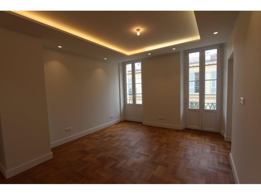 APPARTEMENT 3 PIECES NICE CARRE D'OR - PROCHE MER